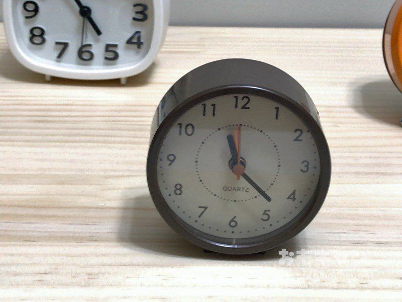 キャンドゥ100円置き時計