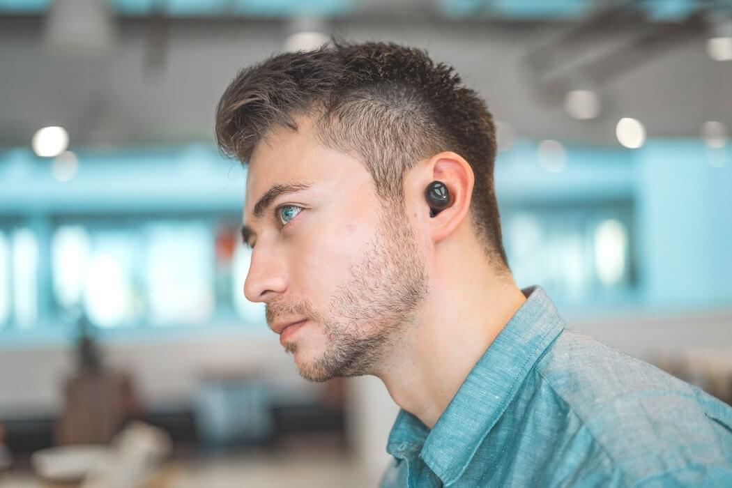 片耳ワイヤレスイヤホン