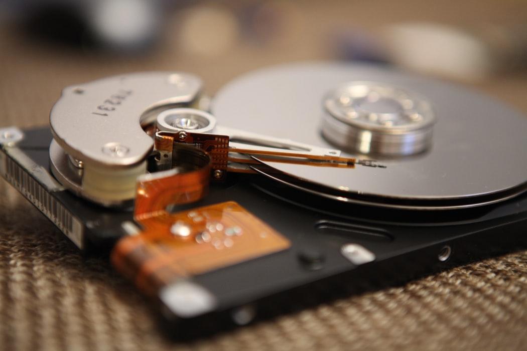 ハードディスクを分解・廃棄